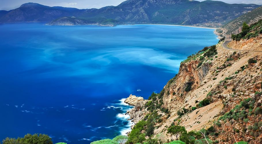 turkey-on-beachfull-size---on-the-road-to-oludeniz-beach-on-the-blue-aegean-coast-fpqeiead
